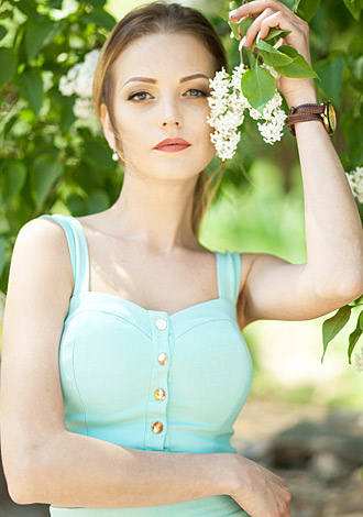 Hundreds of gorgeous pictures: single foreign woman Daria from Melitopol